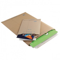 Blake Corrugated Board Envelopes A4+ (Pack of 100)