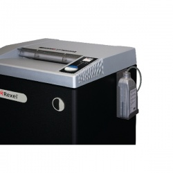 Rexel Shredder Oil Auto Oiling. For use with auto oiling systems only. 4400050